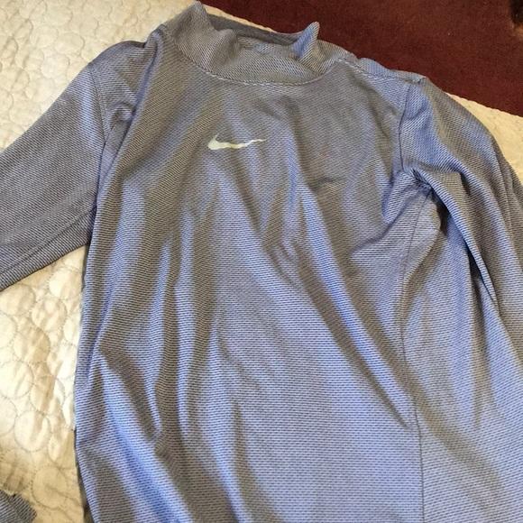 Nike Sweaters - Nike thin sweater